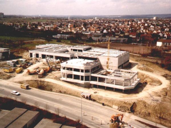 hermann_menton_automobilcenter_12